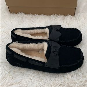 Authentic UGG Dakota black bow slippers